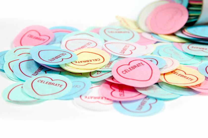 confetti-table-celebrate