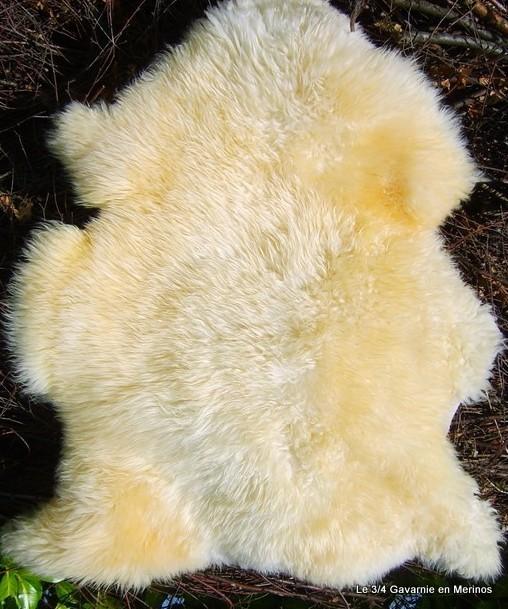 Peau de mouton blanc