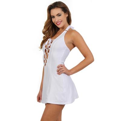 Robe  blanche courte évasée sans manche.