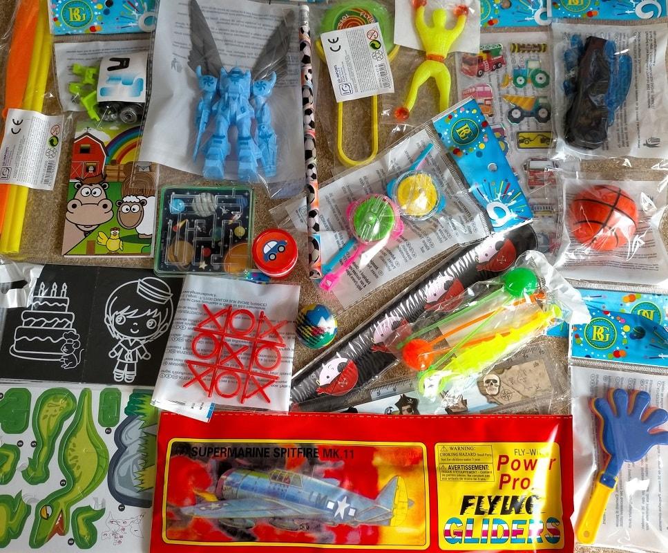 Lot 50 jouets pour garçons (0,39€)