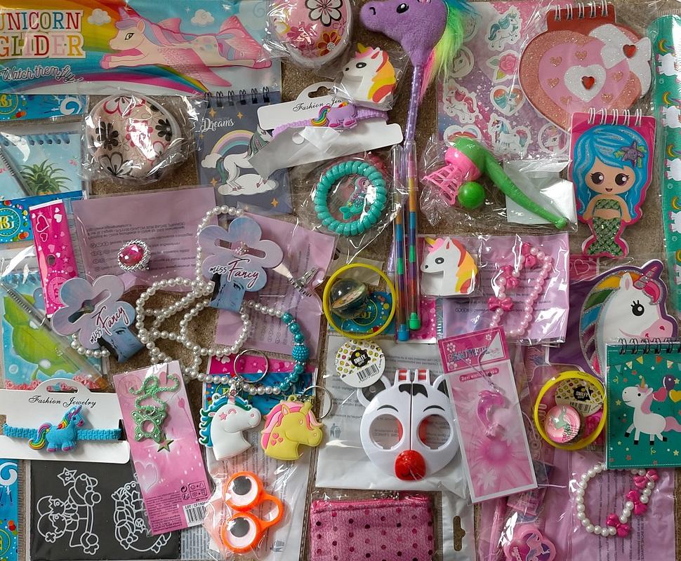 Lot 50 jouets pour filles (0,59€)