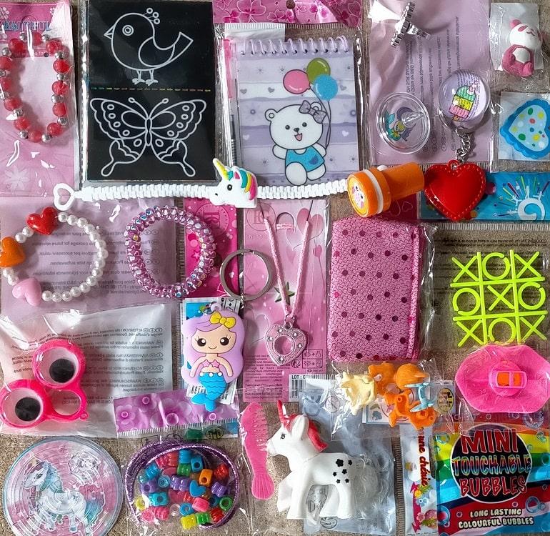 Lot 24 jouets anniversaire fille