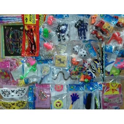 Assortiment 100 jouets pour la kermesse