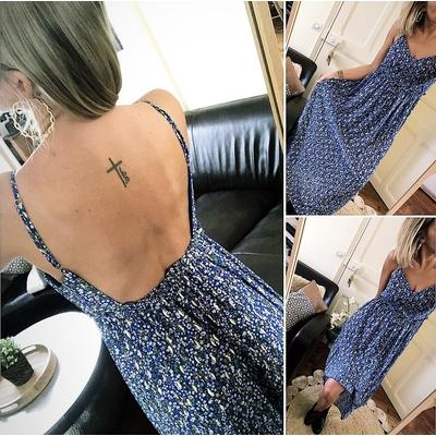 Longue robe Roméo bleu pétales dorées