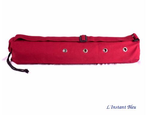 Sac Tapis Toile de couleur-Fleur brodée-Bordeaux-détail oeillets aération