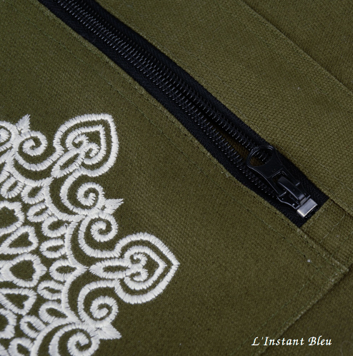 Sac Tapis Toile de couleur-Fleur brodée-poche vert détail 2