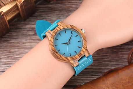 Montre Casual «Mátsya» en Bois – Bracelet cuir-portée