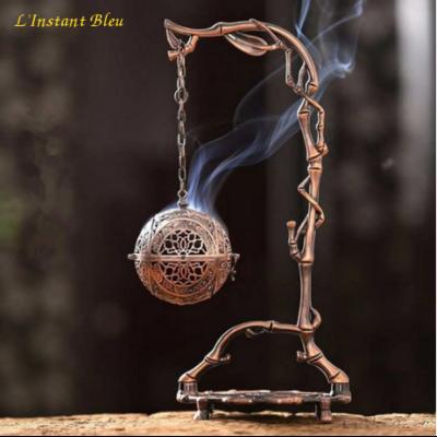 Brûleur d'Encens suspendu «Turīya» en métal ajouré