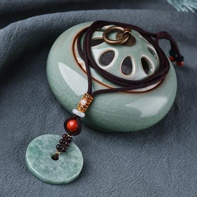 Pendentif Ethnique «Mokṣha » en Jade vert
