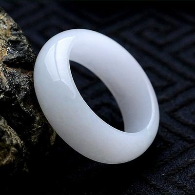 Anneau de Jade blanc «Gandhi » Esprit Bohème