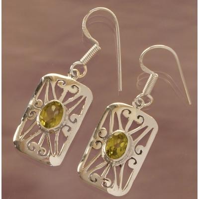 Boucles d'oreilles Amandine en Péridot et argent 925