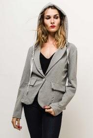 Veste style blazer à capuche
