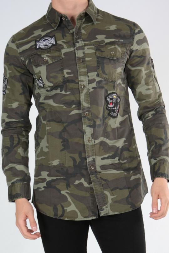 Chemise camouflage à patchs