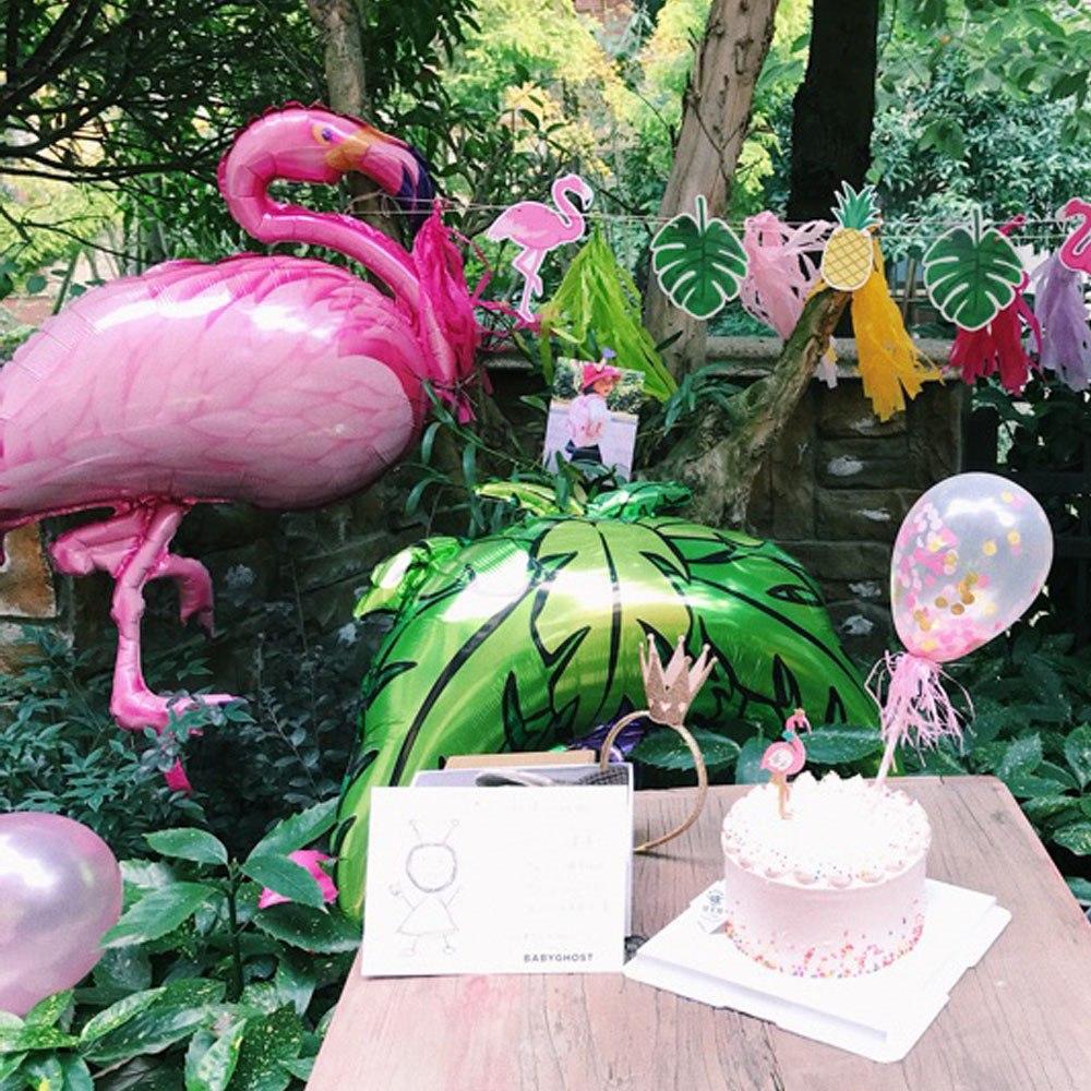 Décoration fête tropicale, flamant rose