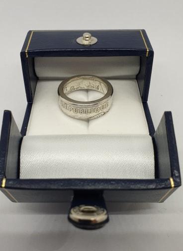 Anneau coin ring 100 Francs Droits de l\'homme en argent de 1989.