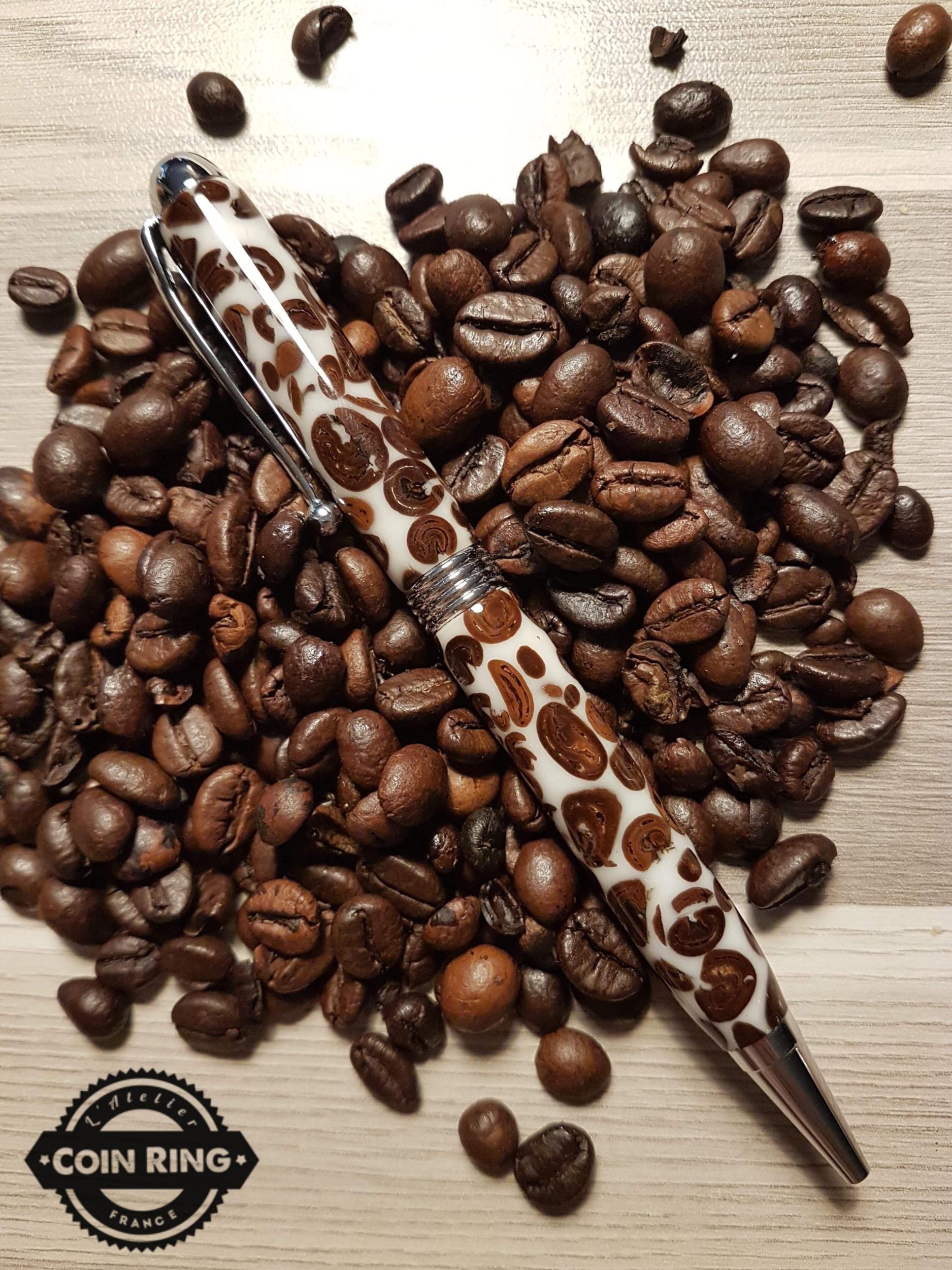 Stylo en résine avec incrustation de grains de café à bille - Modèle Bali.