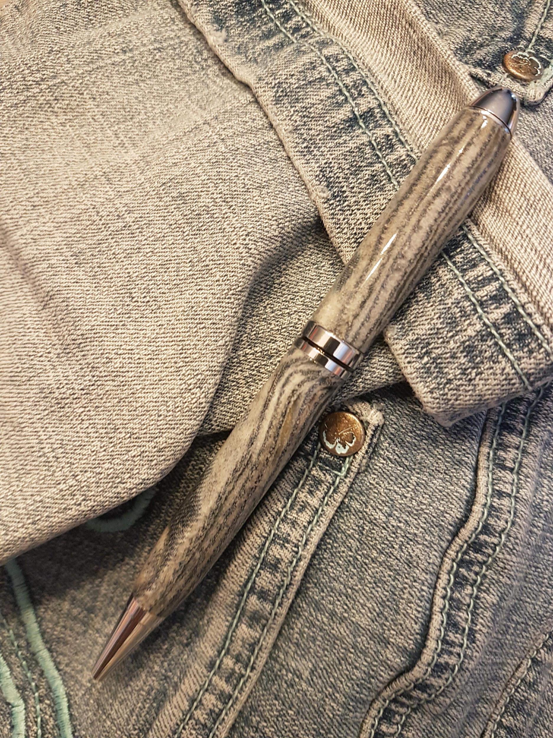 Stylo en résine avec incrustation Jeans à bille - Modèle Elodie