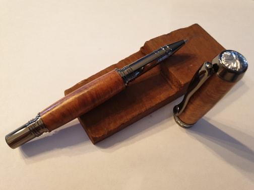 Stylo en bois de racine de bruyère roller - Modèle Camberra.
