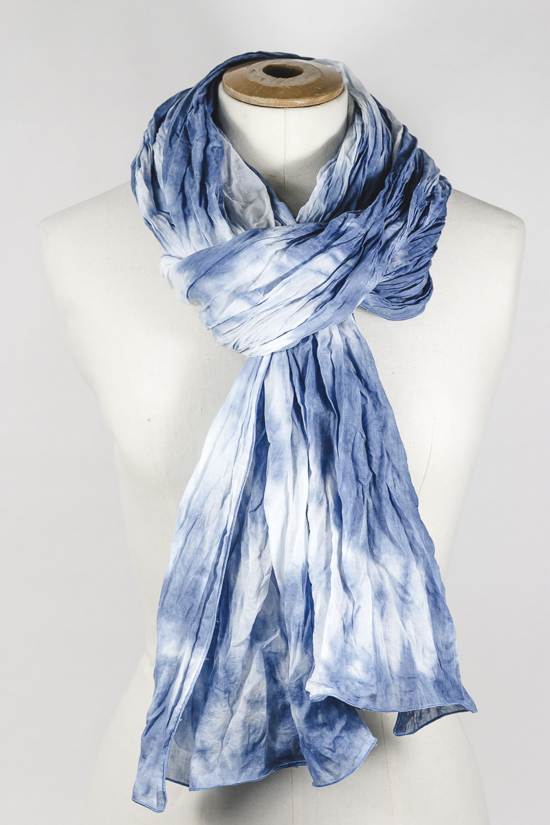 tie and dye bleu pastel