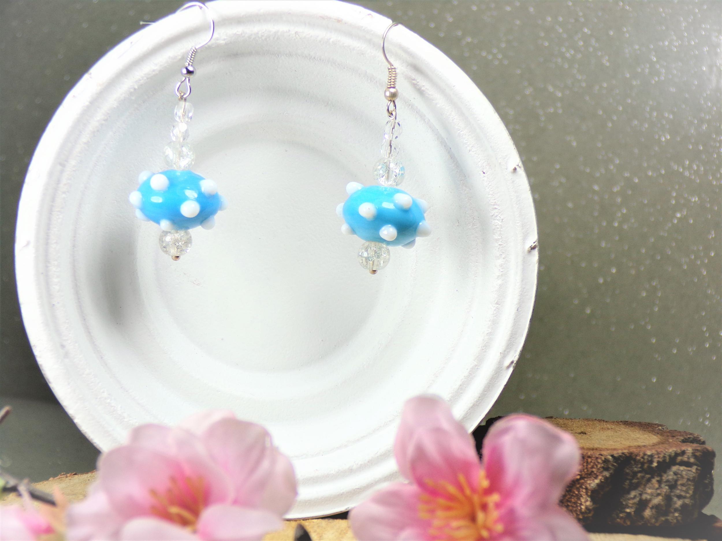 boucles d'oreilles perles bleu