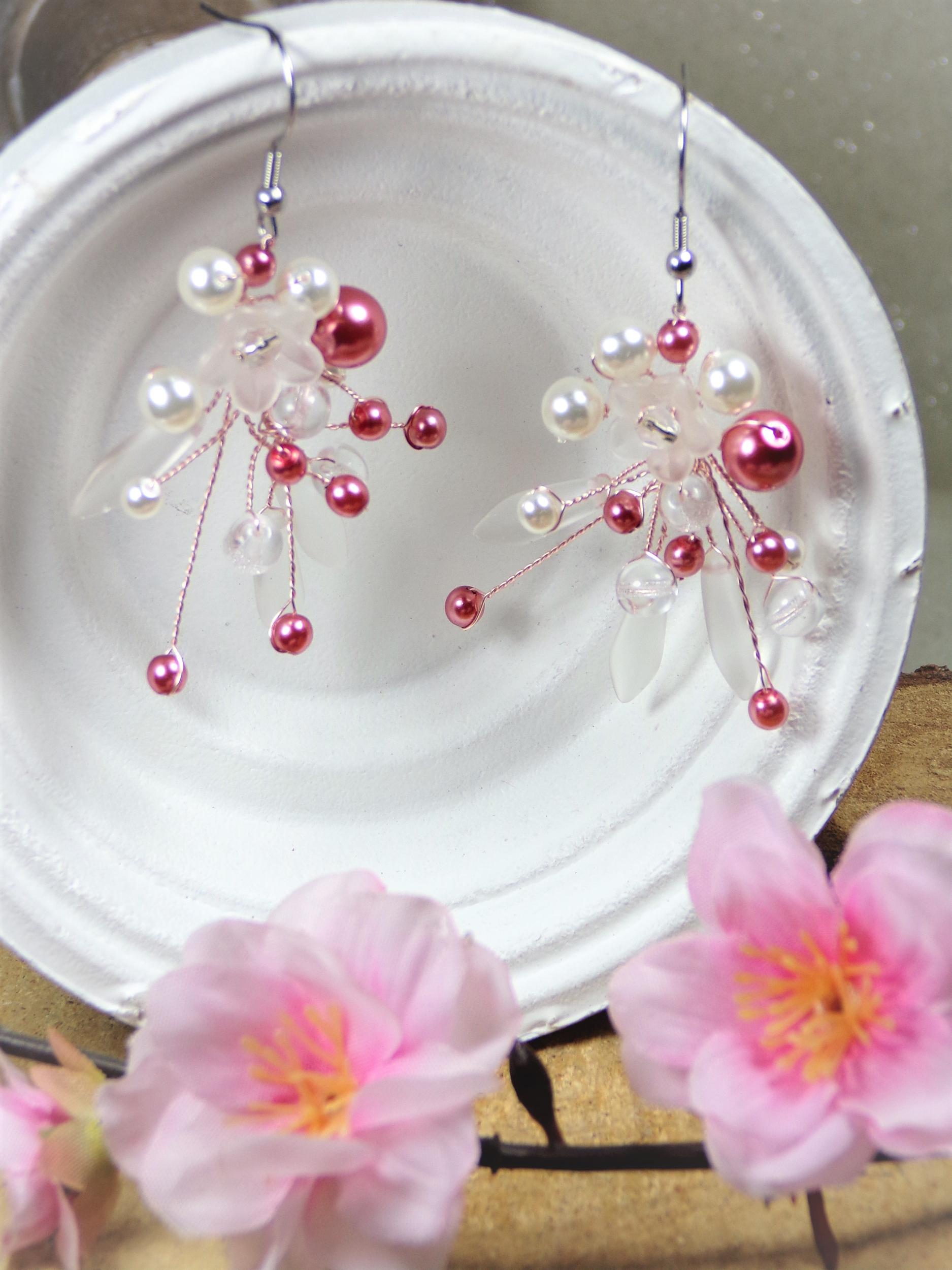 Boucles d\'oreilles perles rose blanc mariage