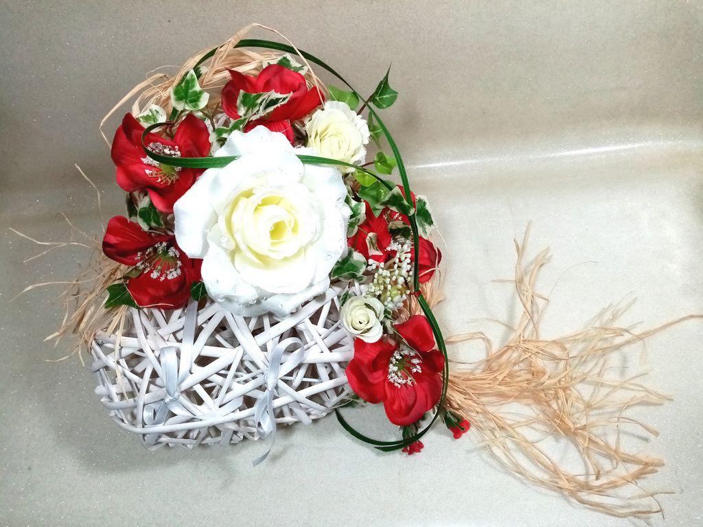 Porte alliances coeur rotin mariage rouge et blanc mariage champêtre bohème