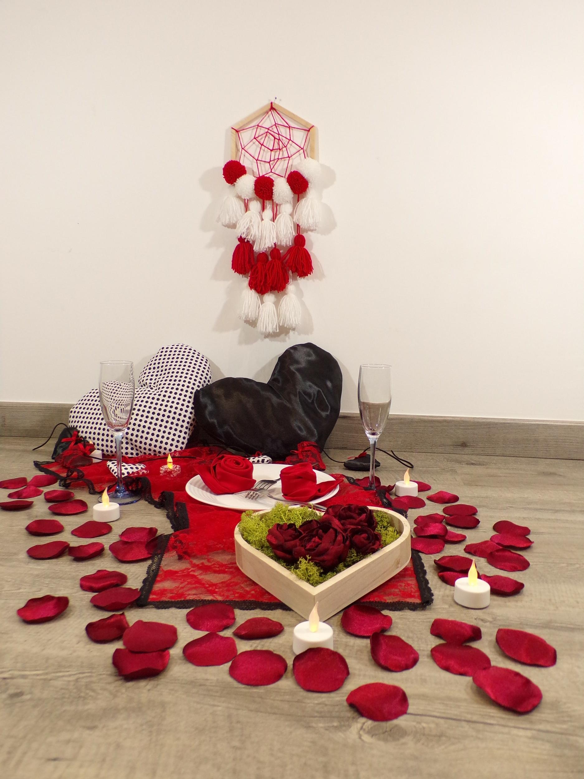 décoration st valenetin rouge noir coeur dentelle fait main