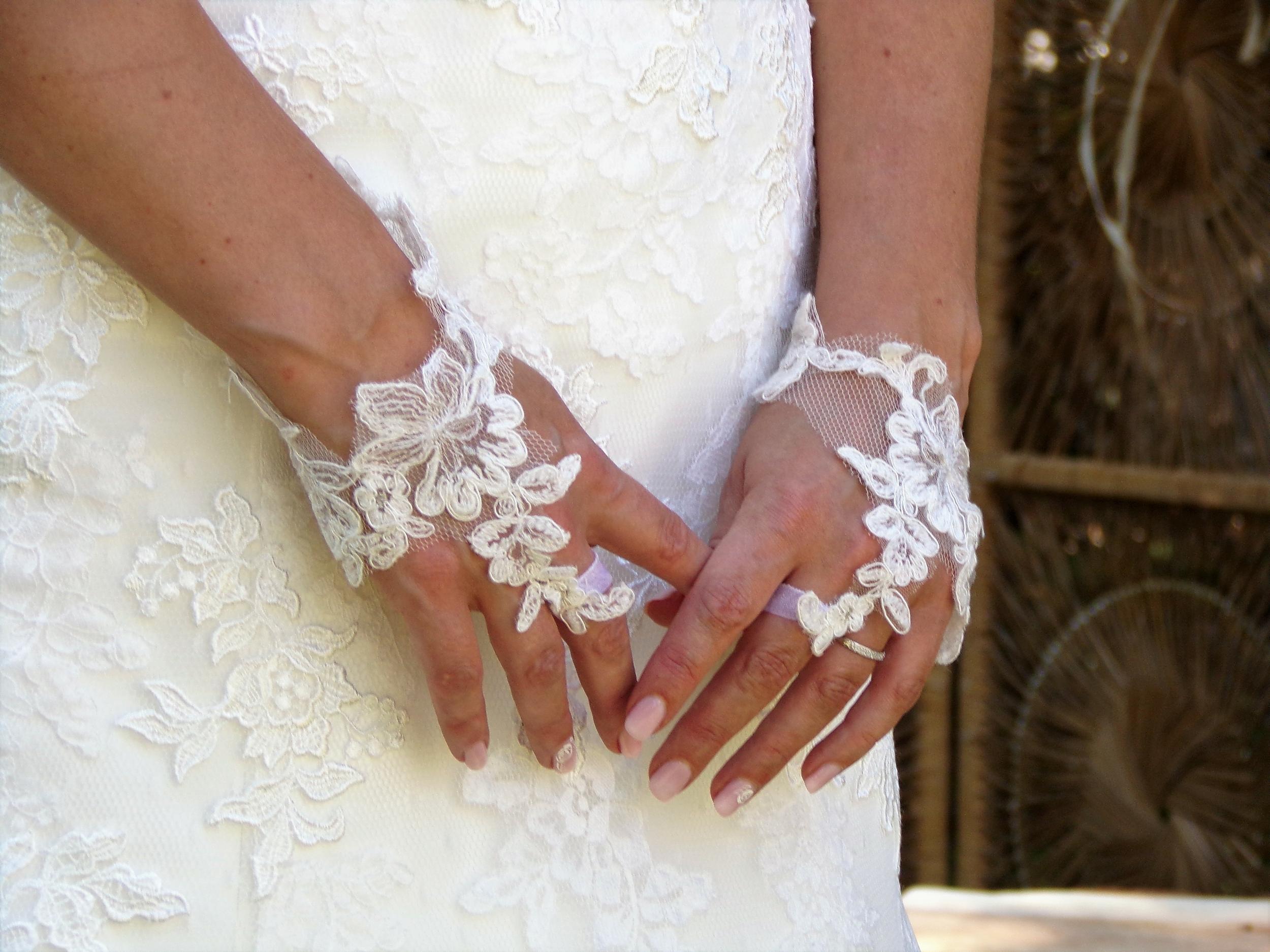 Mitaines mariage dentelle de Calais