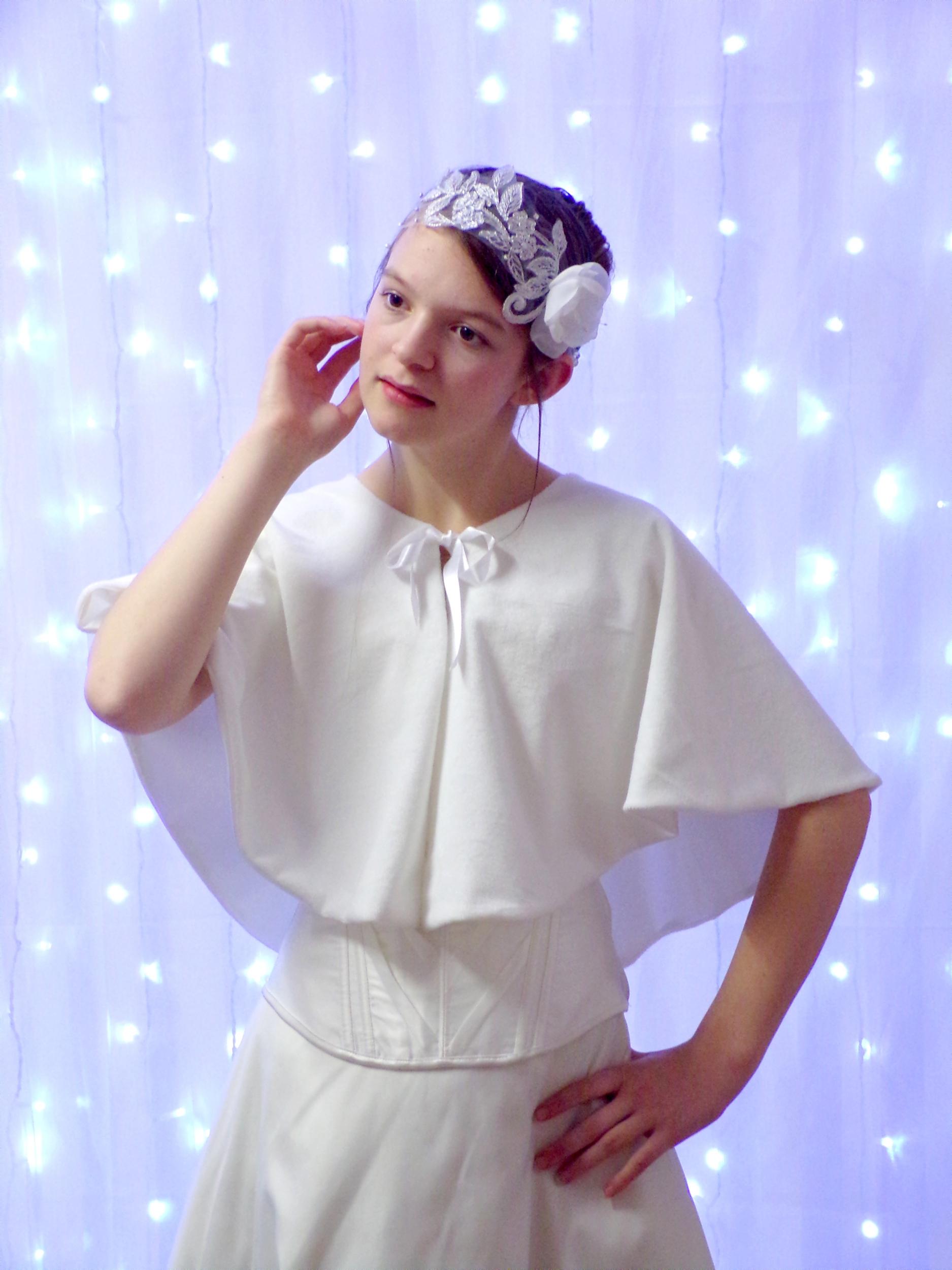 Cape de mariée polaire blanc