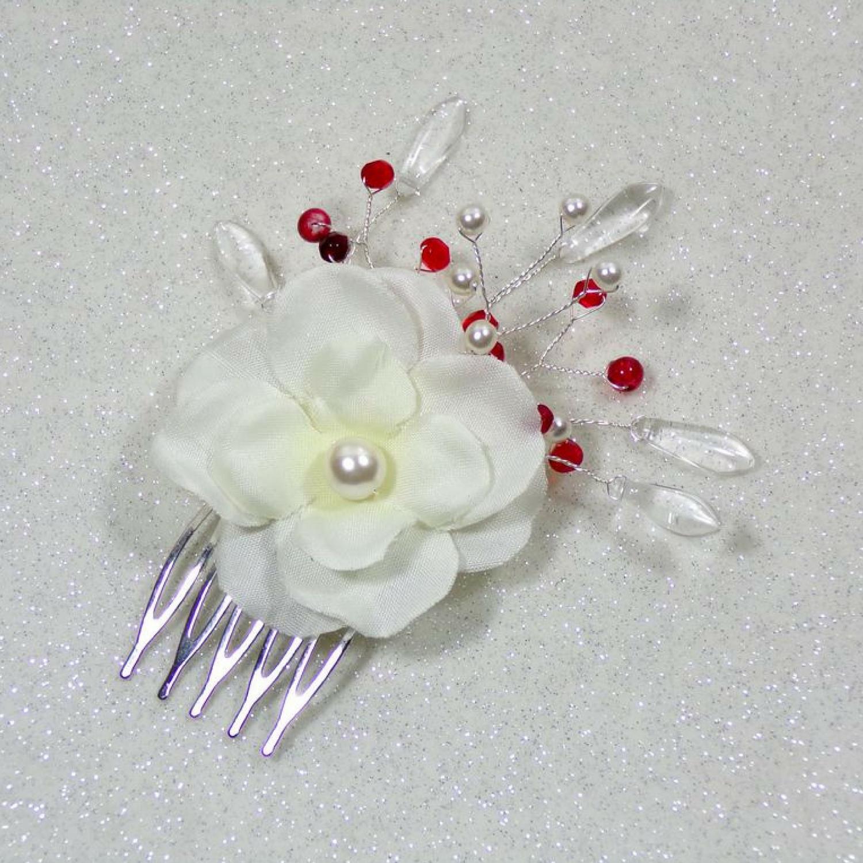 Peigne à cheveux mariage fleurs et perles