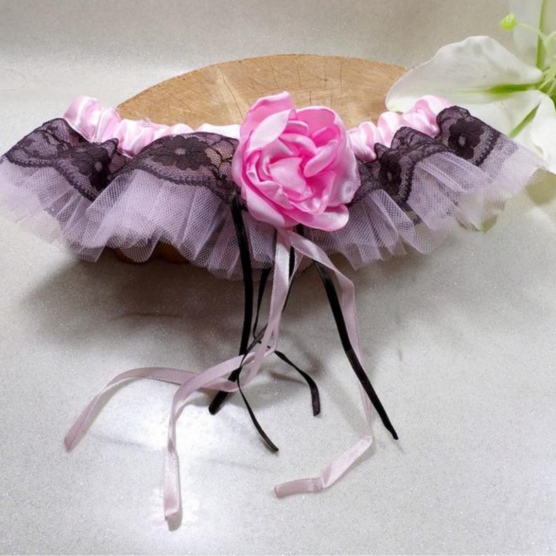 Jarretière mariage dentelle chocolat rose