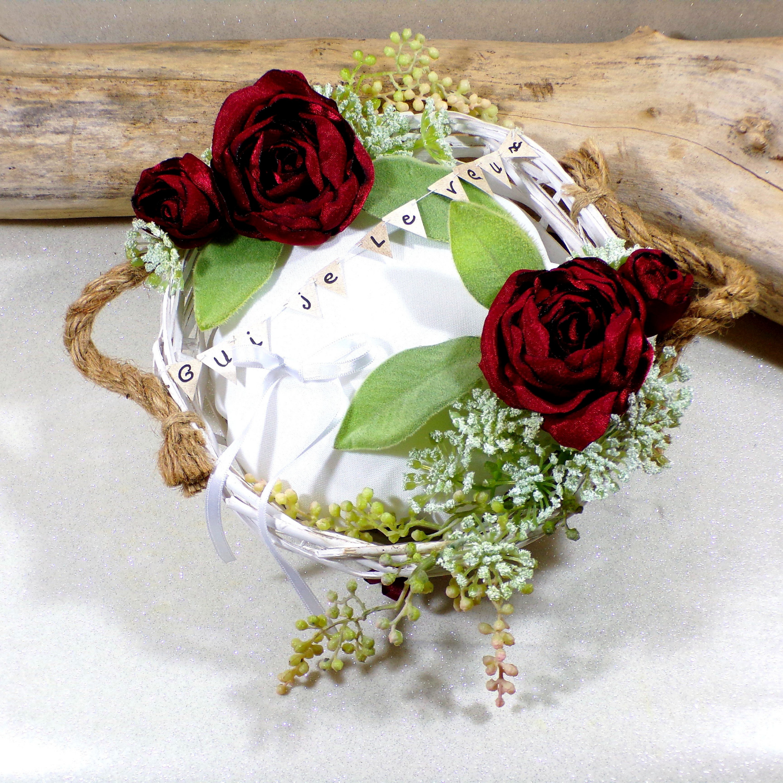 Porte alliances fleurs bordeaux mariage champêtre