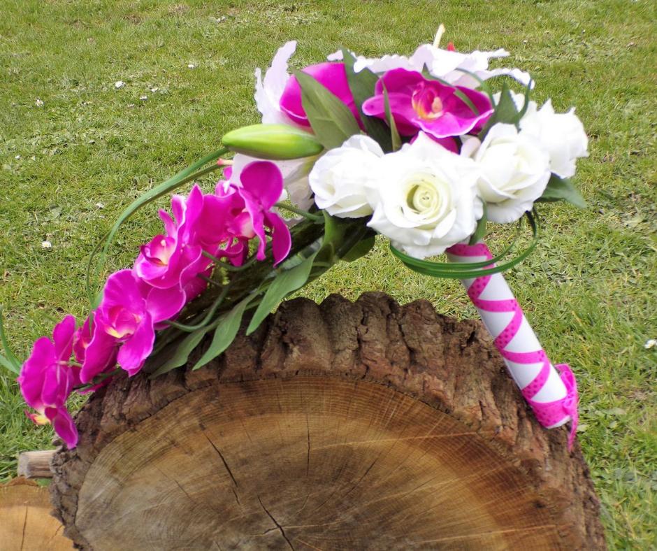 Bouquet de mariée Orchidée fuchsia cascade