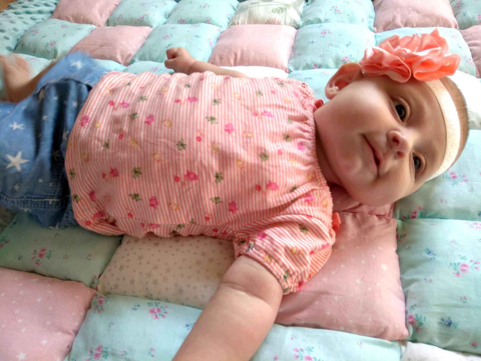 Bandeau cheveux bébé fleur saumon blanc paillette