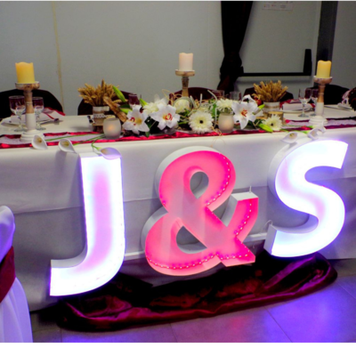 Centre table d'honneur lys gerberas champêtre mariage