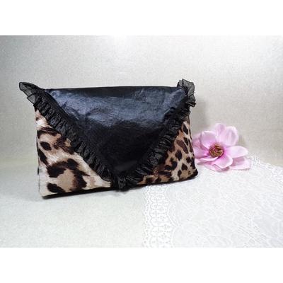 Pochette satin léopard noir fait main