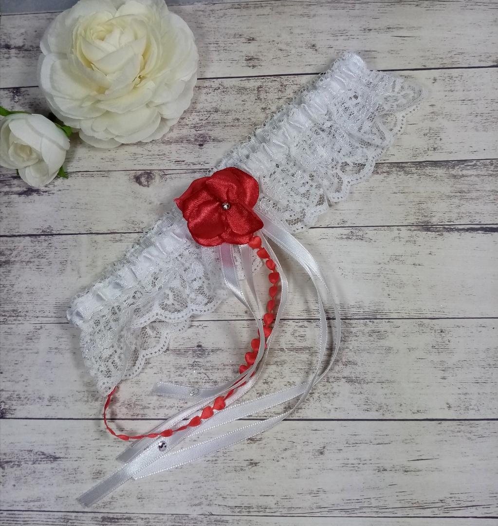 Jarretière mariée romantique dentelle satin strass mariage rouge blanc