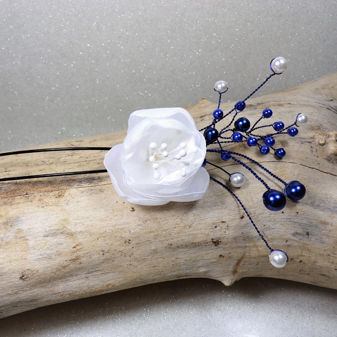 pic à chignon mariage fleur perles bleu roi blanc