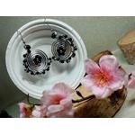boucles d'oreilles fleurs perles noir blanc mariage fantaisie fait main