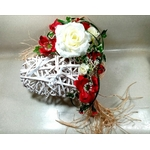 porte alliances mariage rouge blanc coeur fleurs artificielles