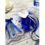 Jarretière mariage plumes bleu roi blanc fait main