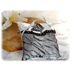 Coussin d'alliances Papillon trass noir blanc