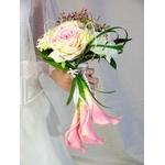 Bouquet de mariée tombant rose blanc arum