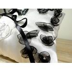 coussin dalliances papillon fleurs noir blanc strass