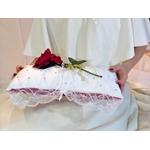 Coussin alliances mariage la belle et la bête rose rouge strass satin dentelle rouge et blanc