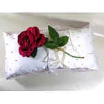 Coussin porte alliances rose rouge strass satin dentelle