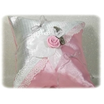 Coussin dalliance papillon satin dentelle gris rose blanc