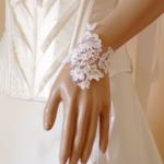 bracelet mariage dentelle de Calais personnalisé