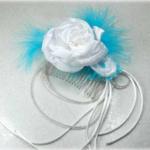 Peigne à cheveux mariage fleurs plumes voile de mariée