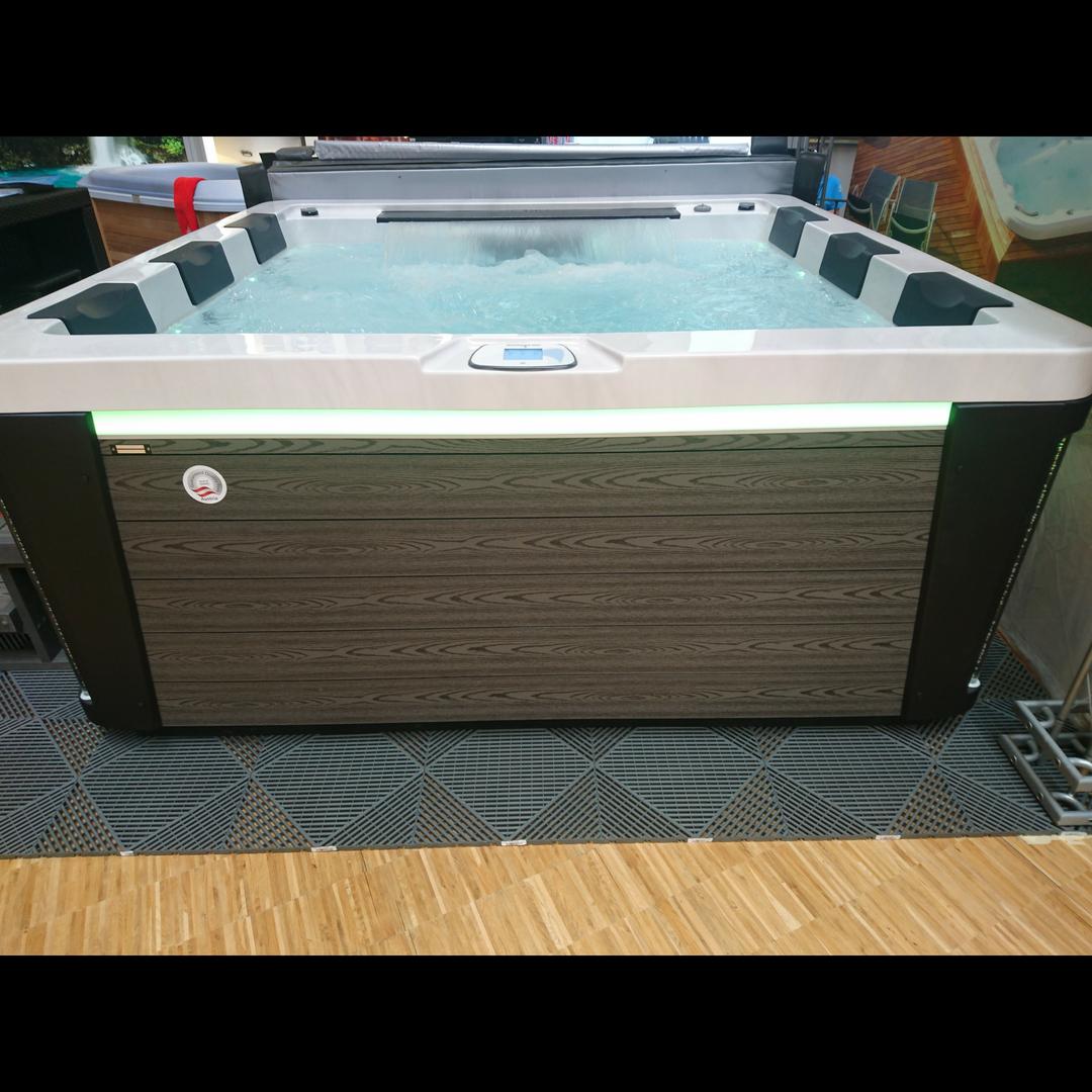 Waterwave Spas Nizza side-2000x2000